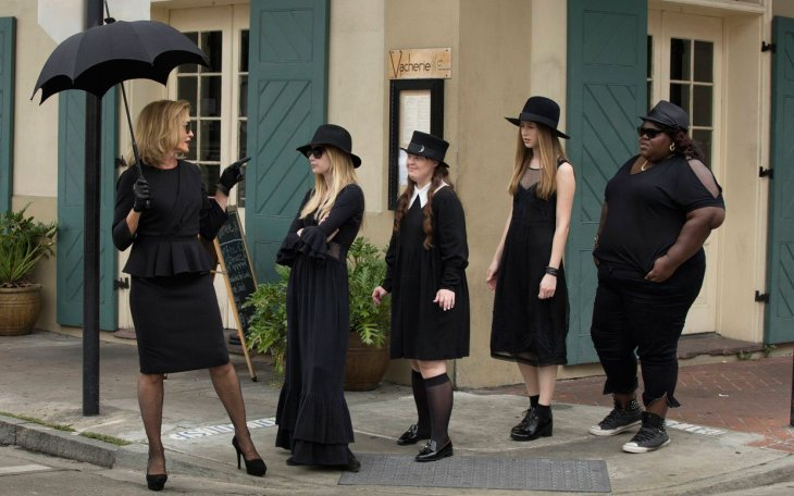 american-horror-story-jessica-lange-costume-ftr